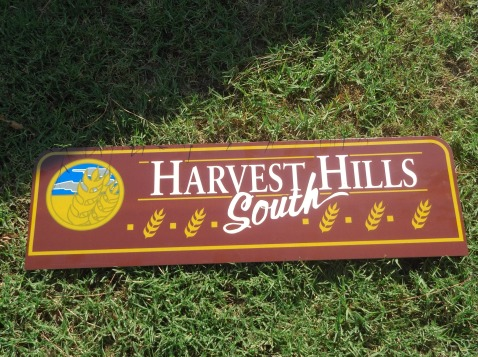 Harvest Hills South Sign.jpg